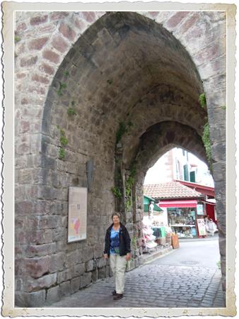 Op weg naar santiago - Biarritz to st jean pied de port transport ...